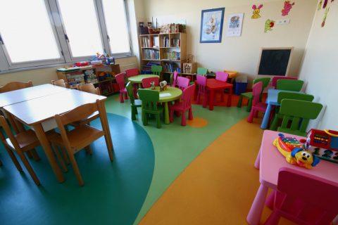 Asili nido: quale pavimento scegliere per la sicurezza dei bambini?