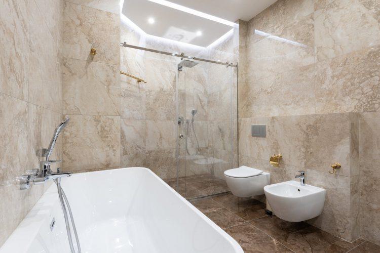 Bagni senza piatto doccia con pavimentazione continua